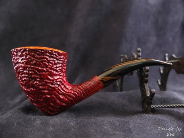 Quatre fées vrillées fument des tabacs typés.  Dscf0834