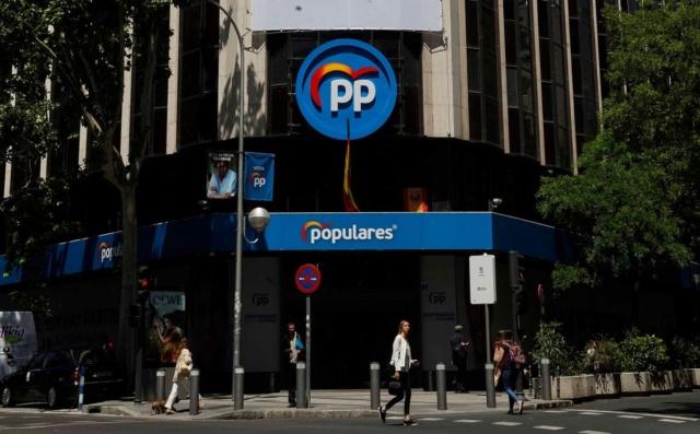 PP | Rueda de Prensa de María Dolores de Cospedal Sede-p10