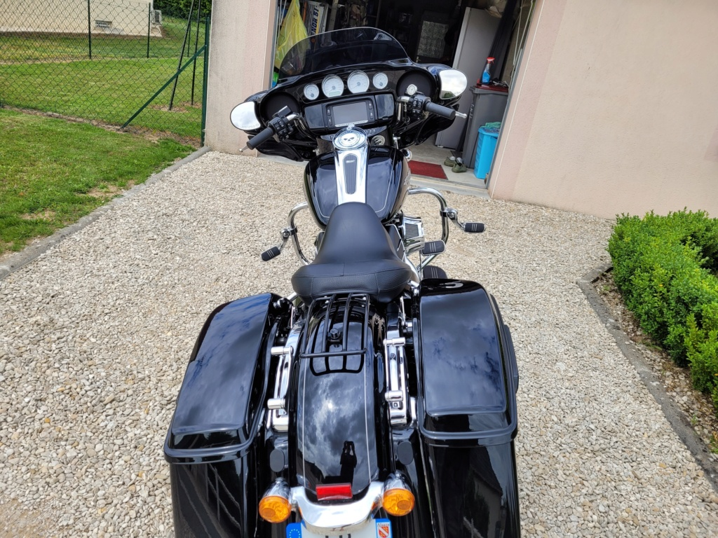 Adieu Road King bonjour Street Glide - Page 4 Acce2c10