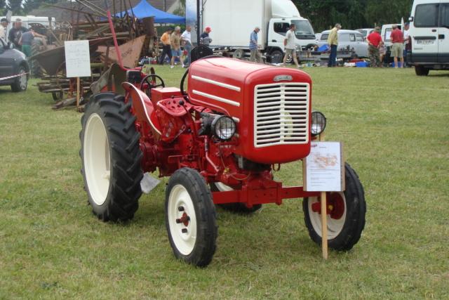 """* """"Les Tracteurs anciens (agricole)"""" - Page 2 Dsc03015"""