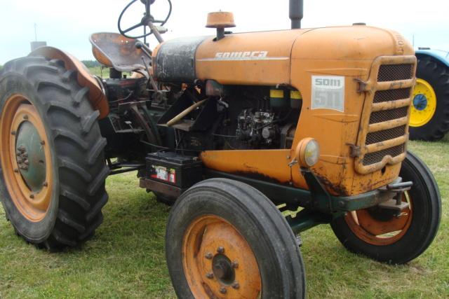 """* """"Les Tracteurs anciens (agricole)"""" - Page 2 Dsc03017"""