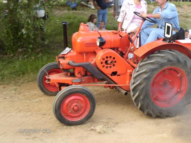 """* """"Les Tracteurs anciens (agricole)"""" - Page 2 Hpim3111"""