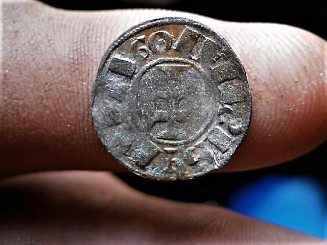 Dinero de Alfonso I el batallador P1010091