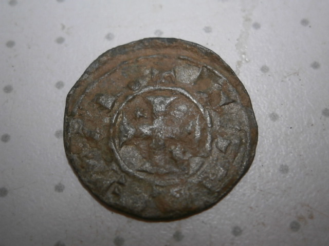 Dinero pepión de Alfonso VIII. P1010093