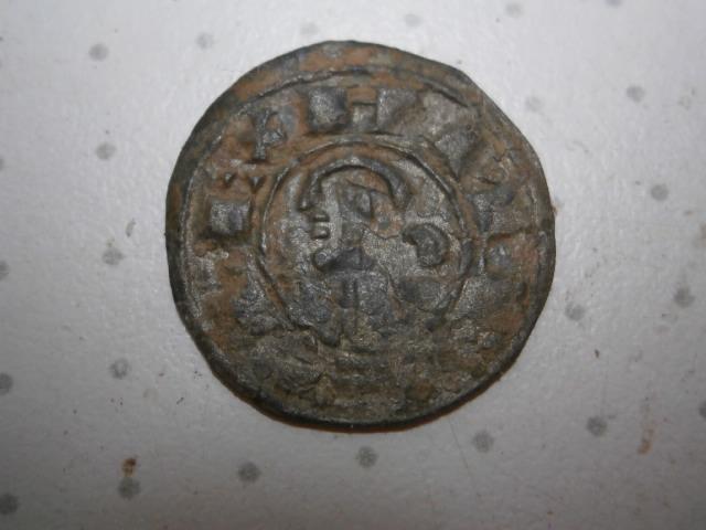 Dinero pepión de Alfonso VIII. P1010094