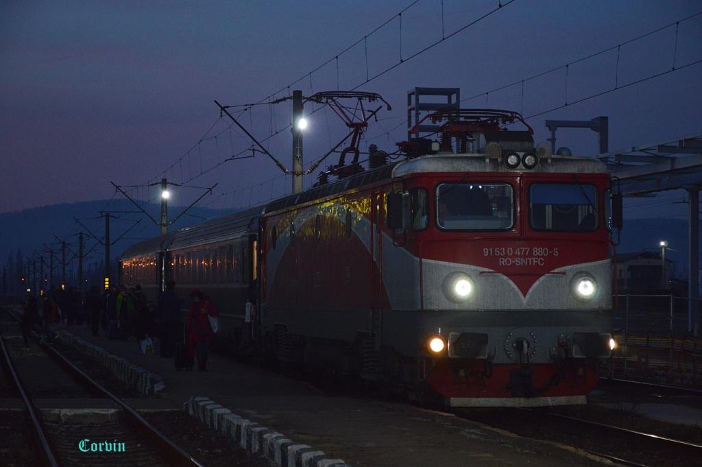 Locomotive clasa 47(476/477) aparţinând CFR Călători  - Pagina 45 Dsc_0864