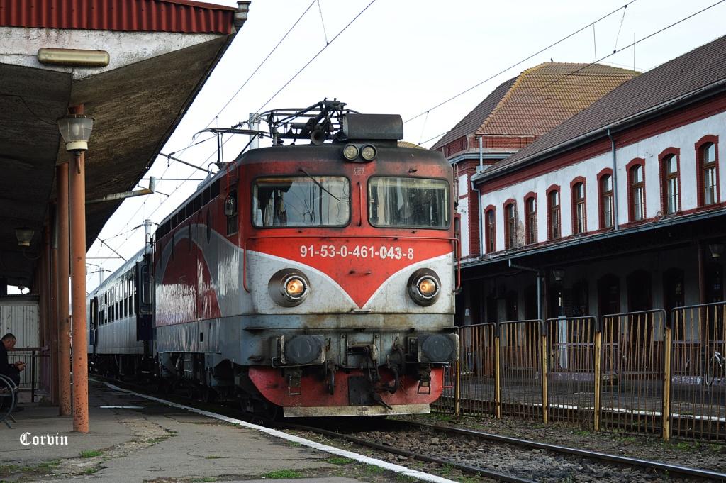 Locomotive clasa 46 - Pagina 58 Dsc_1043