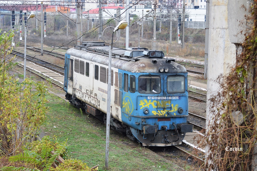 Locomotive clasa 60 - Pagina 40 Dsc_1047