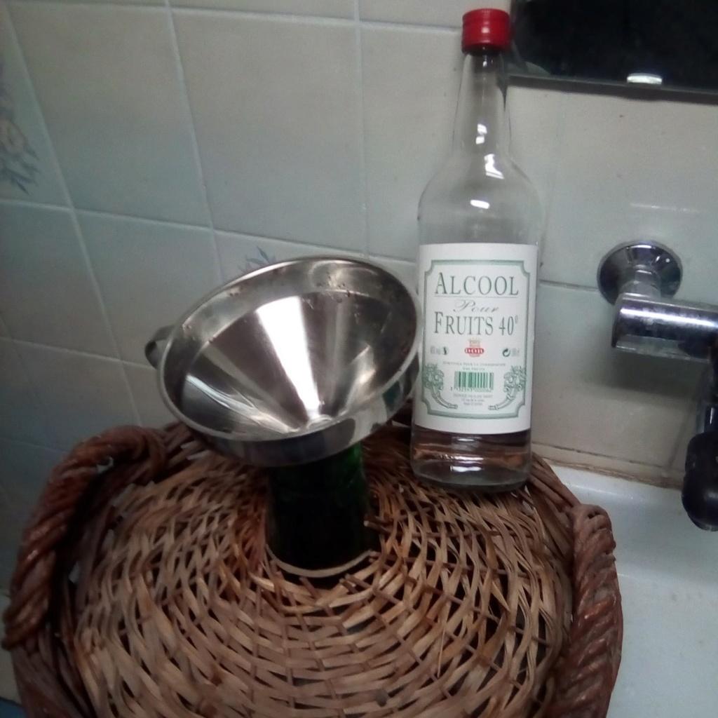 [Recette] Fabrication du vin de noix 74205612
