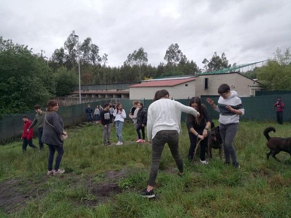 Charla IES Miraflores de Oleiros, visita de los chicos a Gatocan y campaña solidaria Img-2010