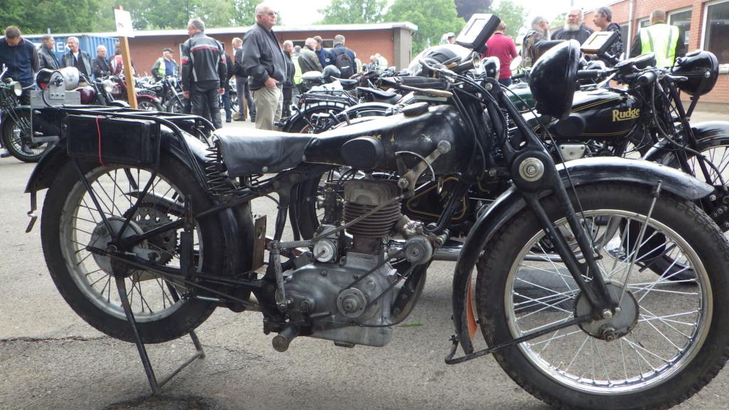 Early riders; oude motoren treffen Rimg0719
