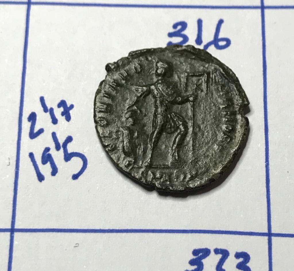 AE3 de Valente. GLORIA ROMANORVM. Aquilea Img_8828