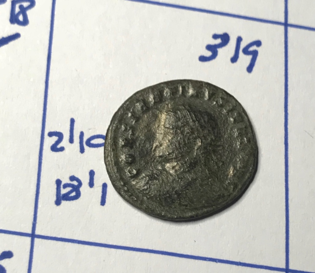 AE3 de Constantino II. PROVIDEN-TIAE CAESS. Puerta de campamento de dos torres. Cyzicus?. Img_8829