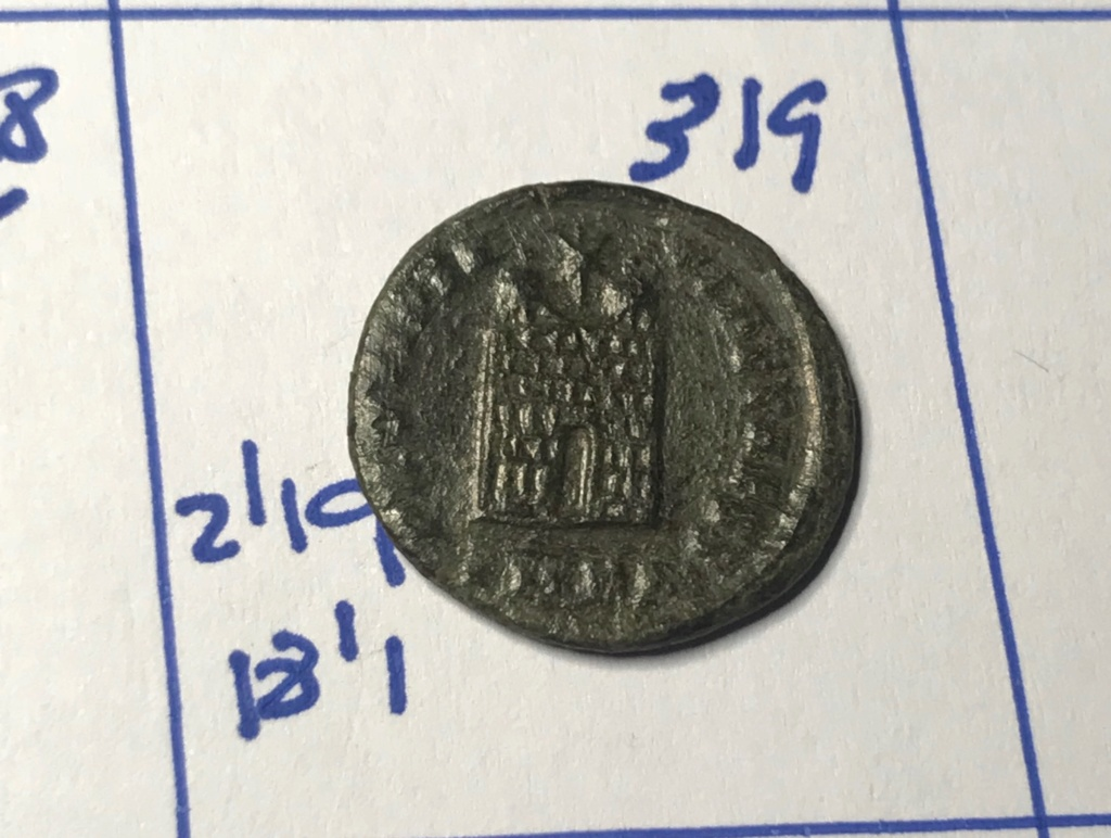AE3 de Constantino II. PROVIDEN-TIAE CAESS. Puerta de campamento de dos torres. Cyzicus?. Img_8830