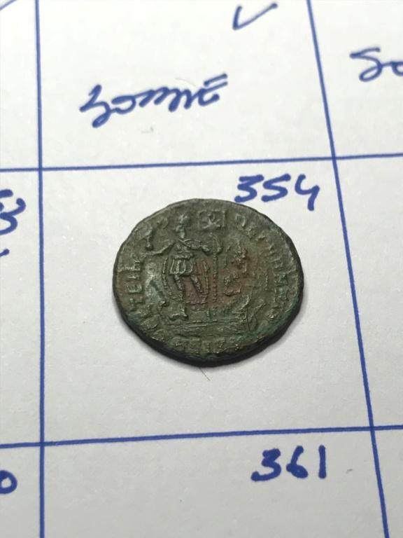 AE3 de Constancio II. FEL TEMP REPARATIO. Emperador en barca. Siscia Img_8912
