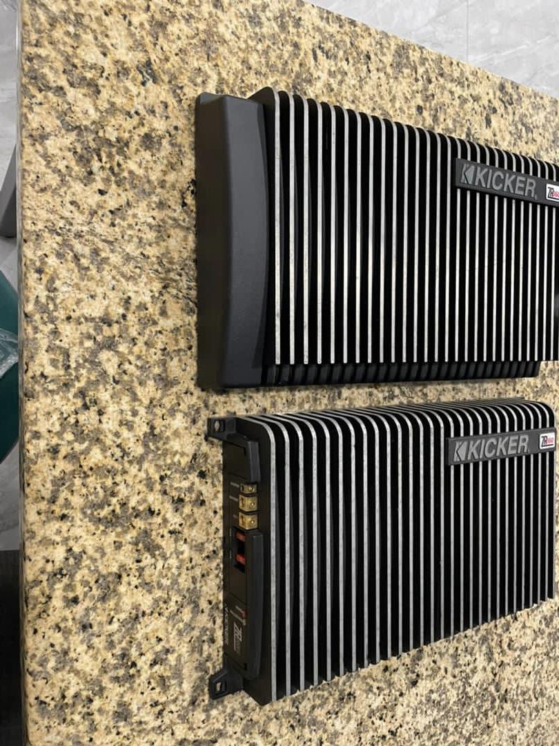 Kicker ZR Amp (Sold) Ad2d3710