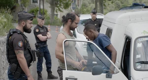 """Télévision : La loi de la vallée où """"les migrants risquent leur vie"""" Czodri10"""