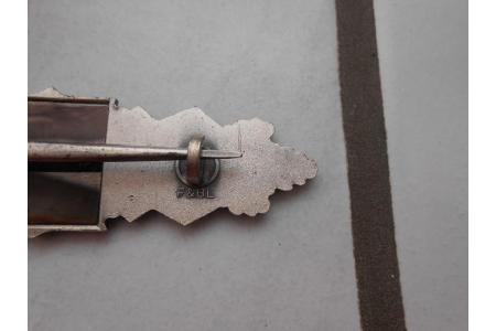 Badge et broche à authentifier  91ef3910