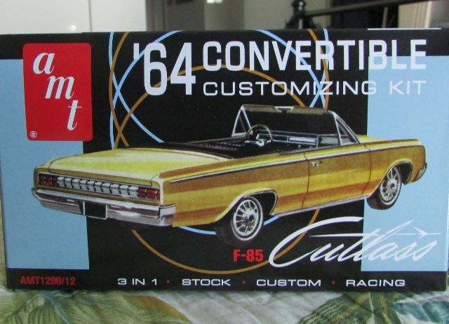 1964 Oldsmobile F85 Cutlass décapotalbe de AMT!  00479