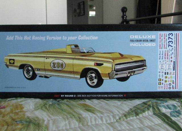 1964 Oldsmobile F85 Cutlass décapotalbe de AMT!  00576