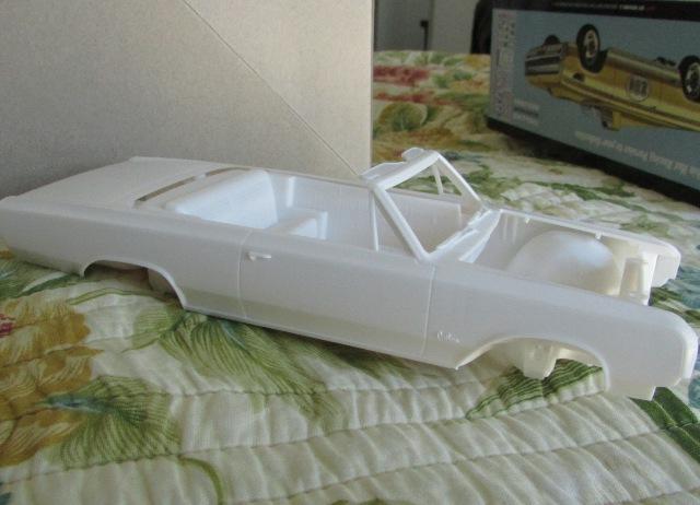 1964 Oldsmobile F85 Cutlass décapotalbe de AMT!  00777