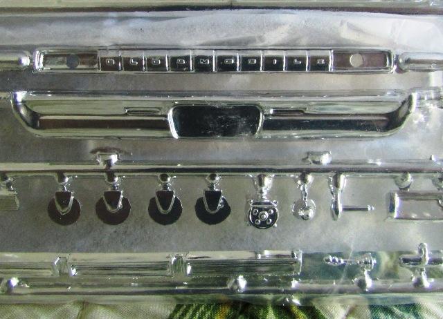 1964 Oldsmobile F85 Cutlass décapotalbe de AMT!  01444