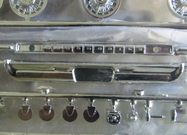1964 Oldsmobile F85 Cutlass décapotalbe de AMT!  01749
