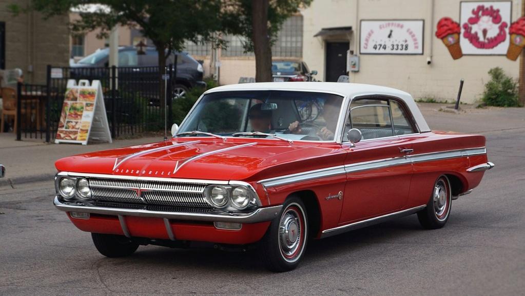 1964 Oldsmobile F85 Cutlass décapotalbe de AMT!  1280px10