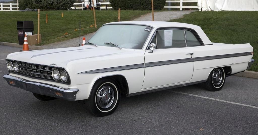 1964 Oldsmobile F85 Cutlass décapotalbe de AMT!  1280px12
