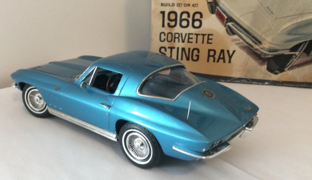 1966 Corvette Stingray! MPC , terminé  E8f34b10