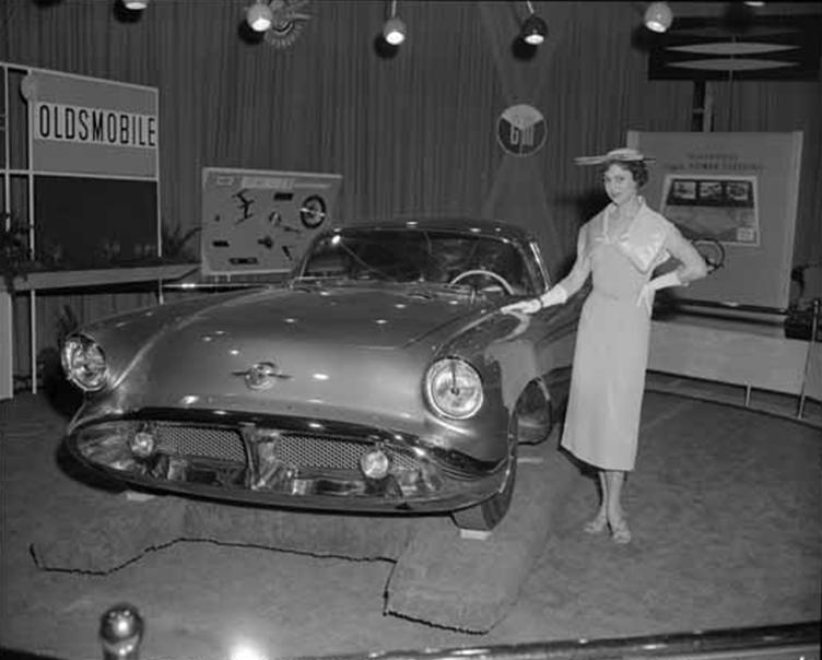 1964 Oldsmobile F85 Cutlass décapotalbe de AMT!  Model_10