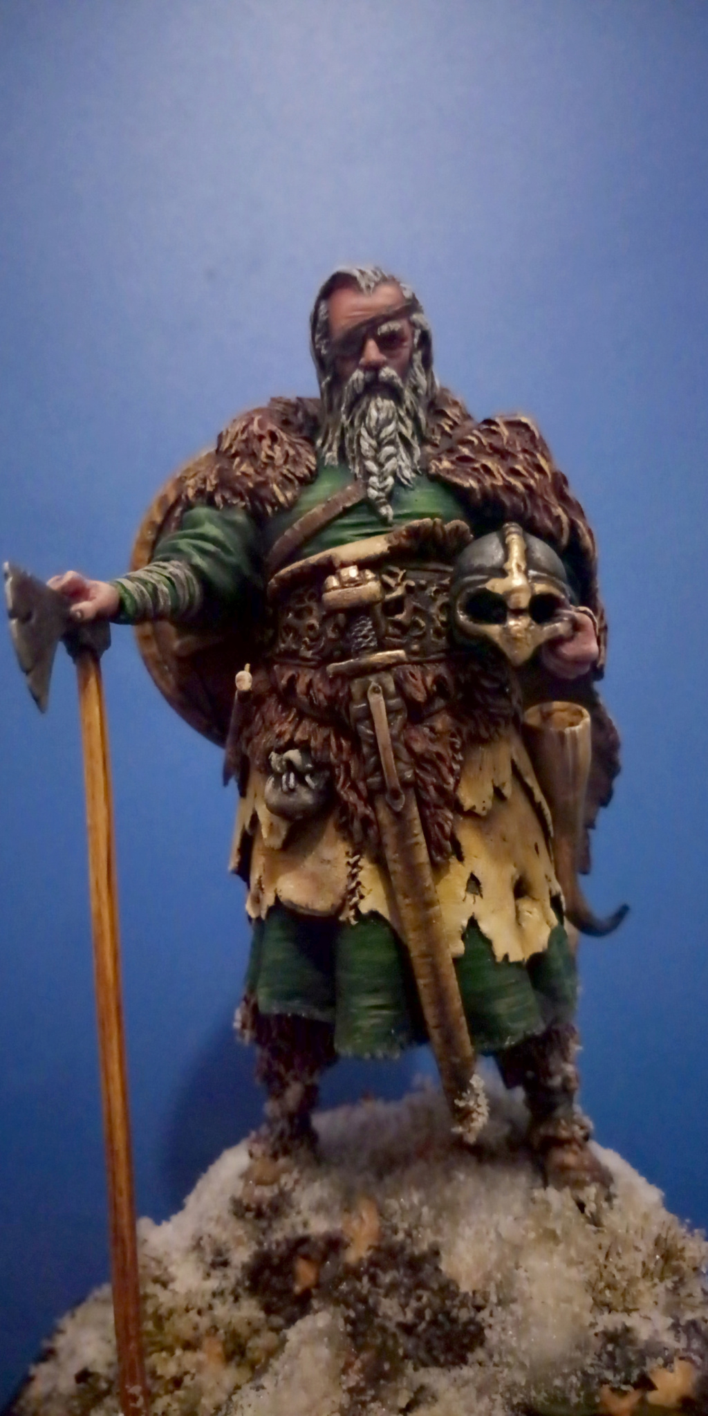 Guerrier viking - masterclass- 75mm - Terminé - Page 2 V310