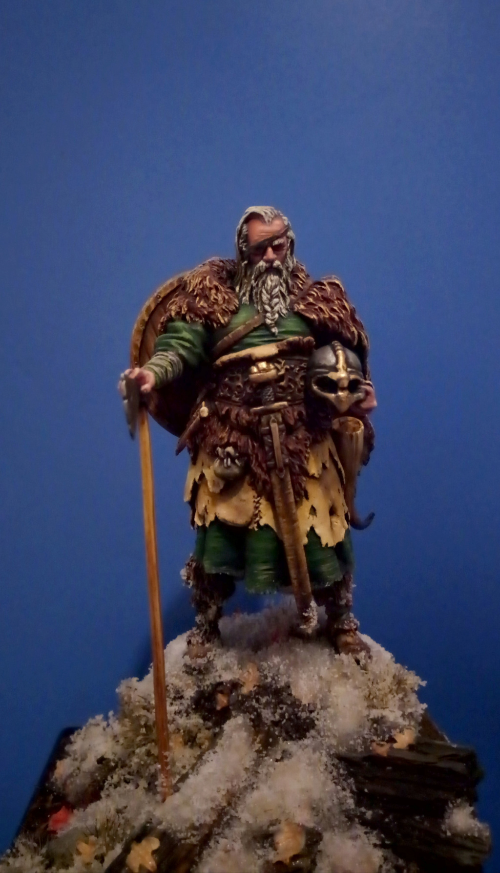 Guerrier viking - masterclass- 75mm - Terminé - Page 2 V410