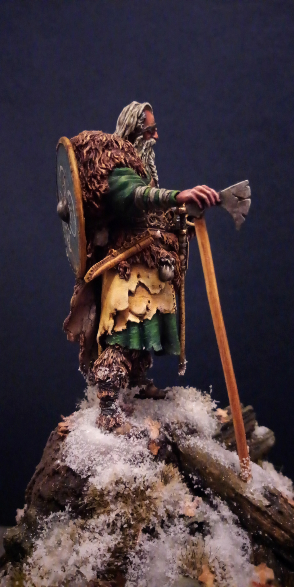 Guerrier viking - masterclass- 75mm - Terminé - Page 2 V910