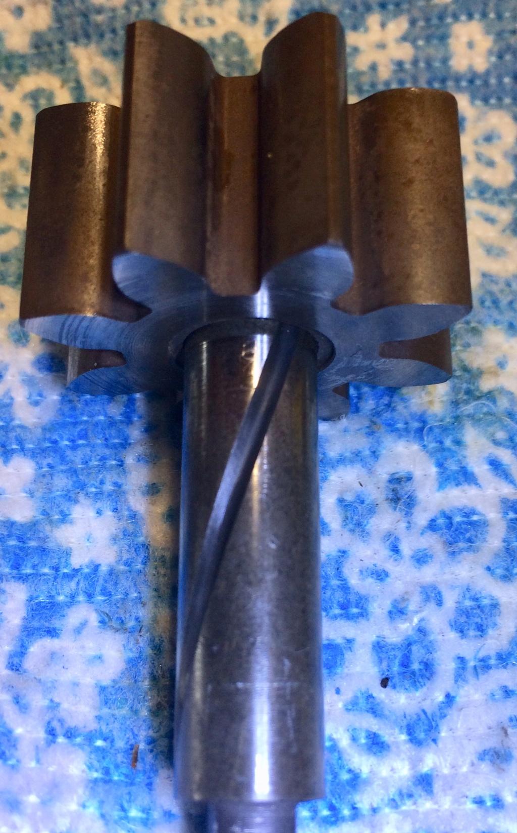 Différents axes et pignons de pompes à huile 43956710