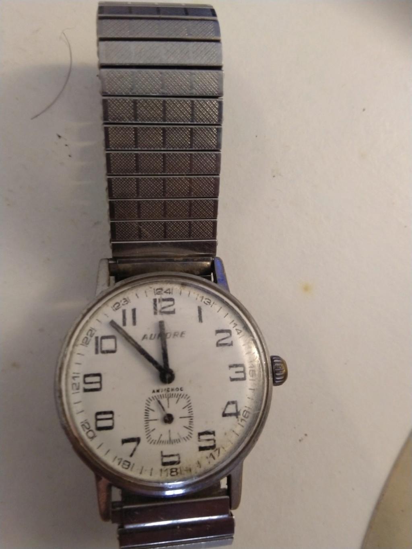 ZENITH -  [Postez ICI les demandes d'IDENTIFICATION et RENSEIGNEMENTS de vos montres] - Page 16 Img_2037
