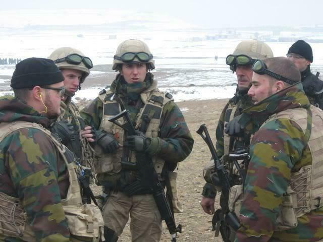 Belgian Desert Uniforms - Page 2 _8510