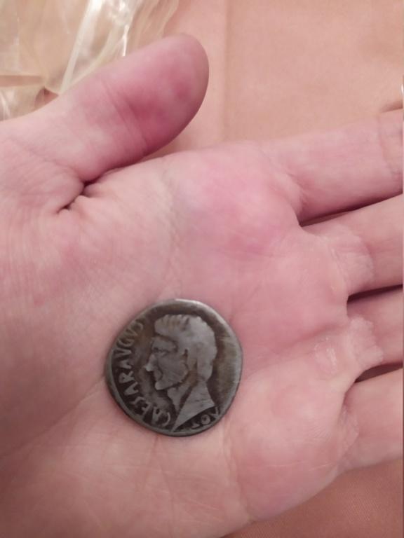 Reproducción moderna de moneda romana Tesafilm Img_2016