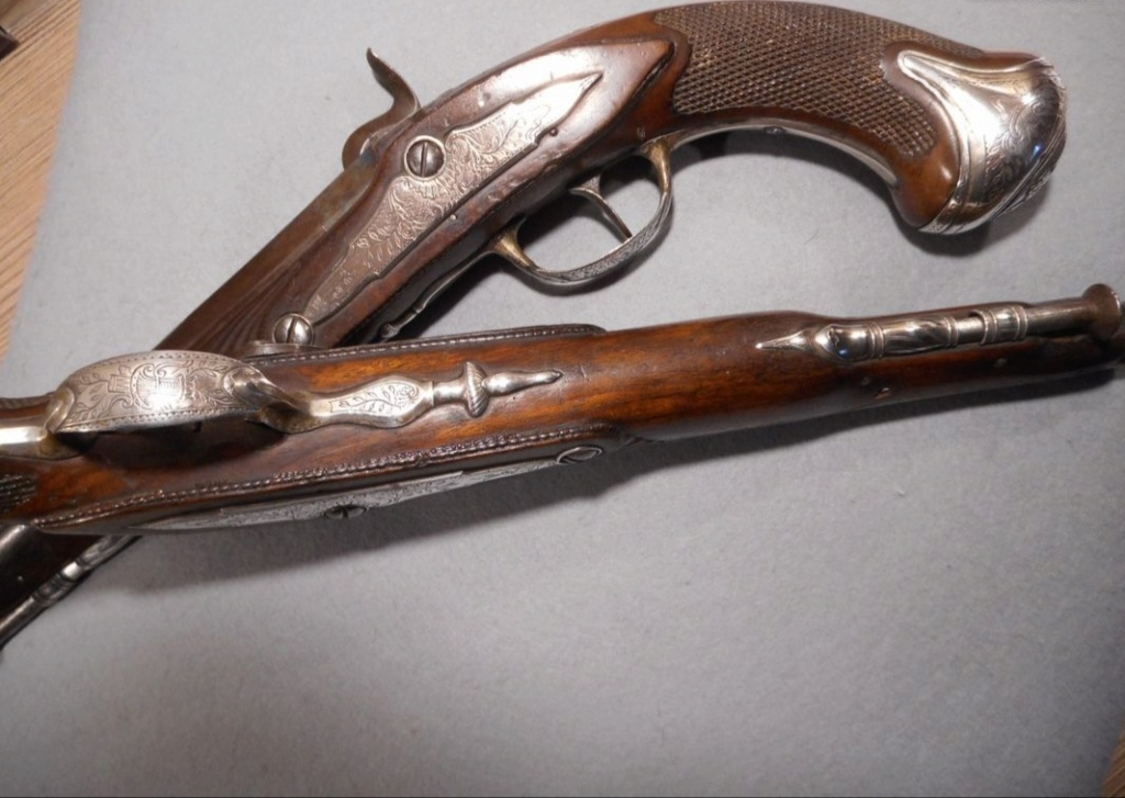 Paire de pistolets 20210212