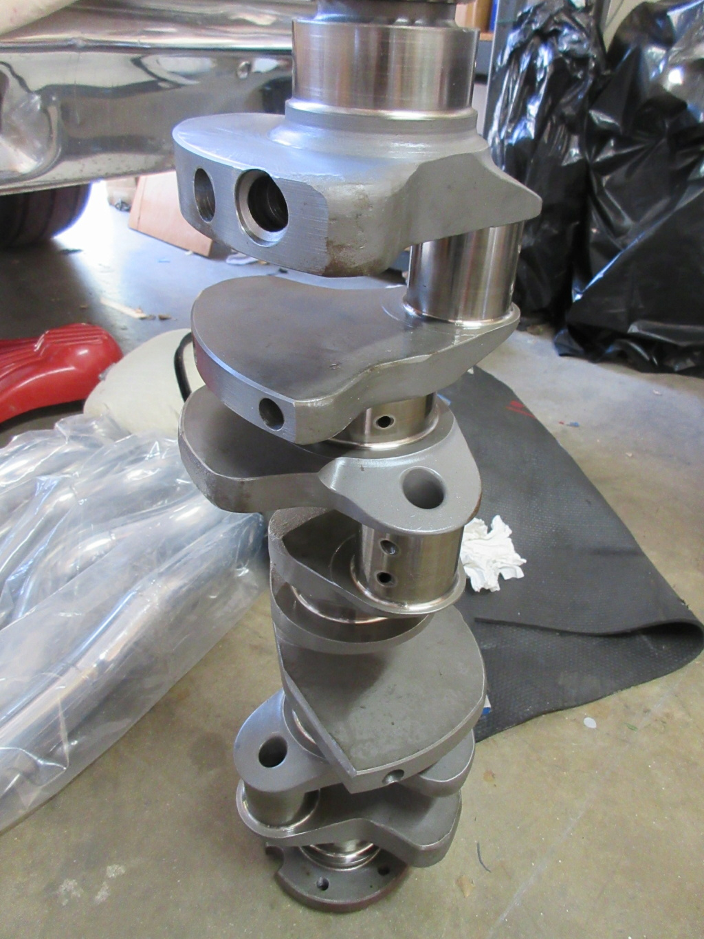 boss 429 block,forged crank,canton valve covers Img_2132