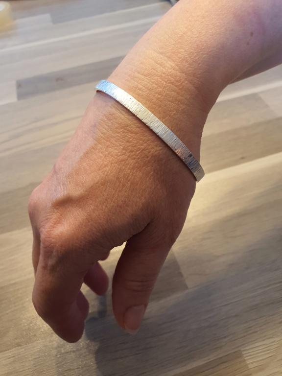Un petit bracelet tout simple. 20200628