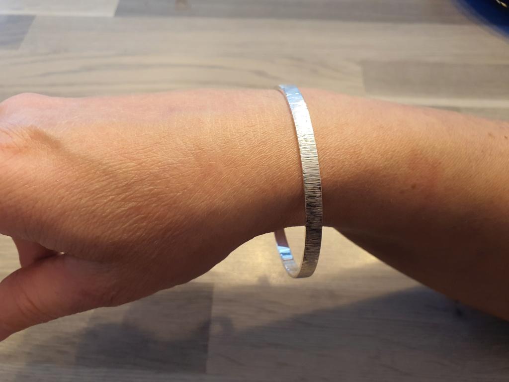 Un petit bracelet tout simple. 20200630