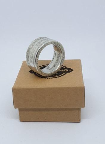 Présentation d'un de même anneaux coin ring à partir d'une pièce de 50 francs hercule 2a5db110