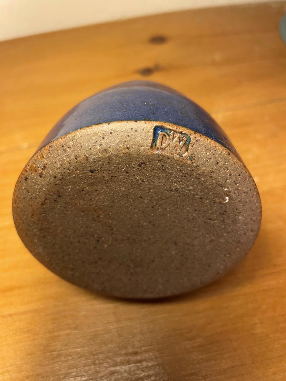 Blue Glazed Stoneware Pot with DW stamp, help please Blue_p13