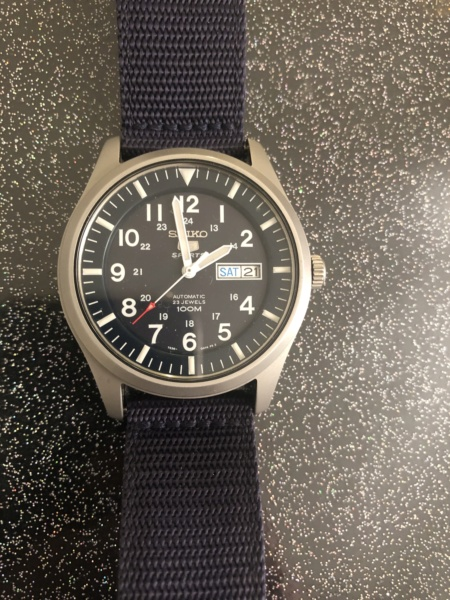 constant - Nouveau dans l univers des montres ( Frederique Constant )  E2719910