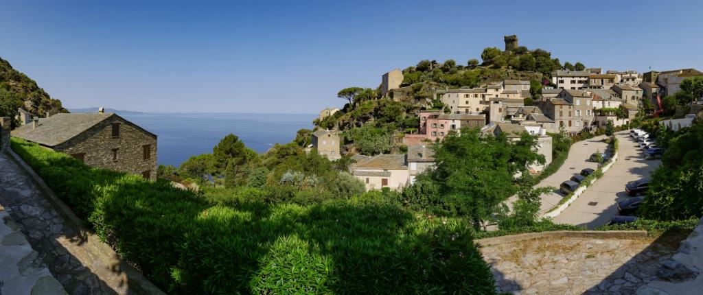 Minervio sur le Cap Corse... + recadrage. P1710510