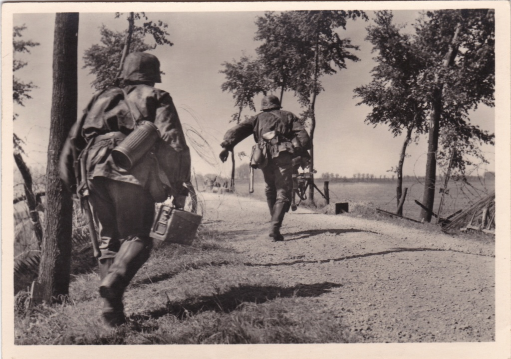 """Cartes postales """"UNSERE WAFFEN SS"""" Img_2038"""