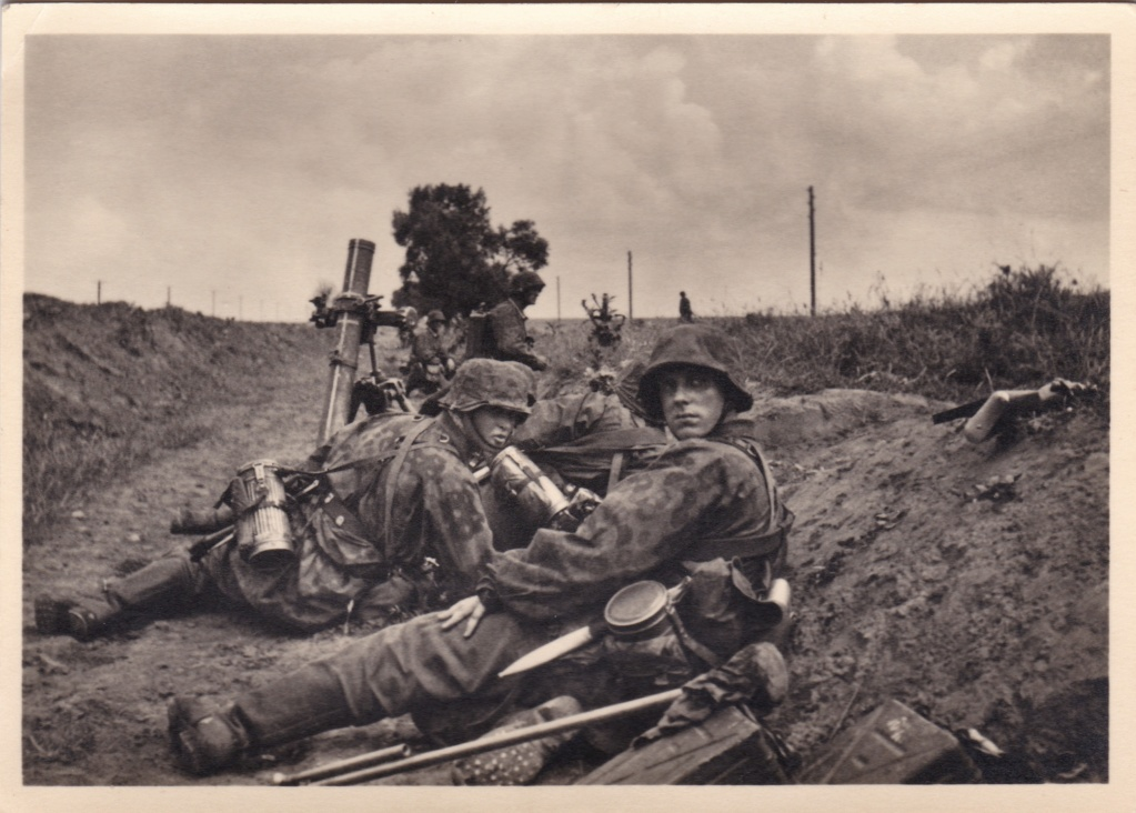"""Cartes postales """"UNSERE WAFFEN SS"""" Img_2041"""