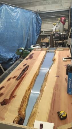 Mesa en madera y epoxy  15949311