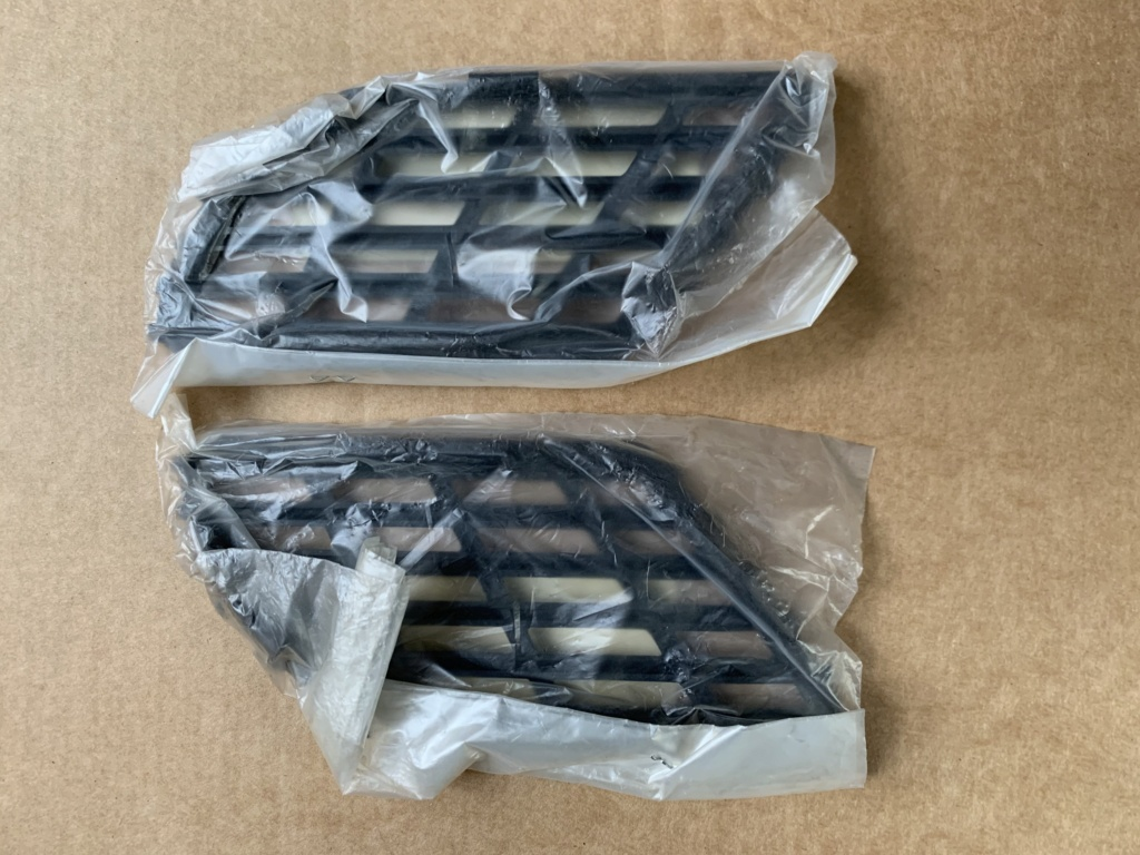 F/S New Legsheild Vents D38a0b10